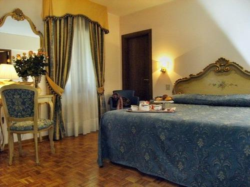 een hotel boeken in veneti hier vind je hotelinformatie over hotel hotel royal san marco en. Black Bedroom Furniture Sets. Home Design Ideas