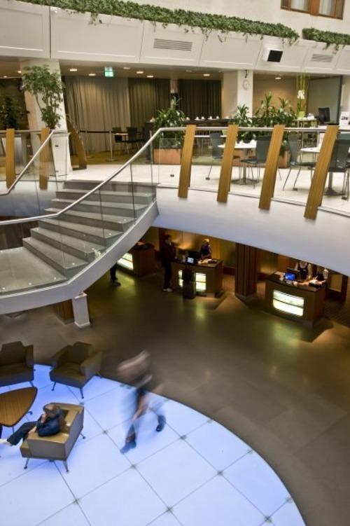 r server un h tel stockholm ici vous pouvez trouver des informations concernant l 39 h tel. Black Bedroom Furniture Sets. Home Design Ideas