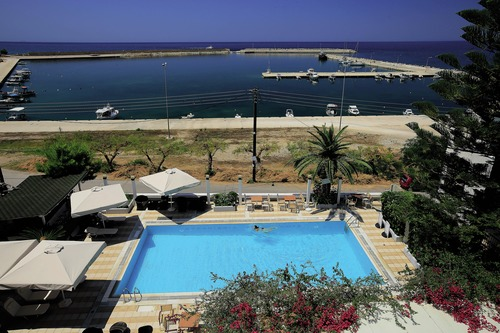 Kyparissia Beach