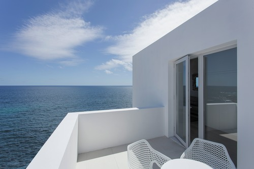 The White Exclusive Suites & Villas