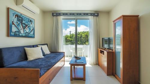 Vale do Navio Hotel & Apartments