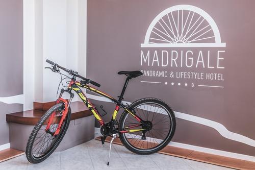 Madrigale Panoramic & Lifestyle Hôtel